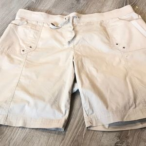 🌼 Avenue~~Bermuda Shorts~~🌼